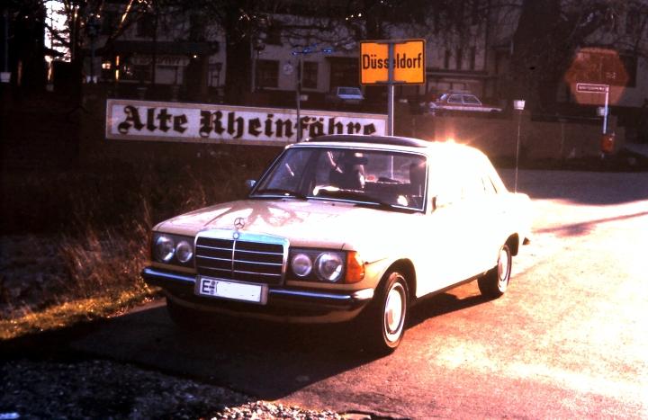 Mercedes Benz W123 230