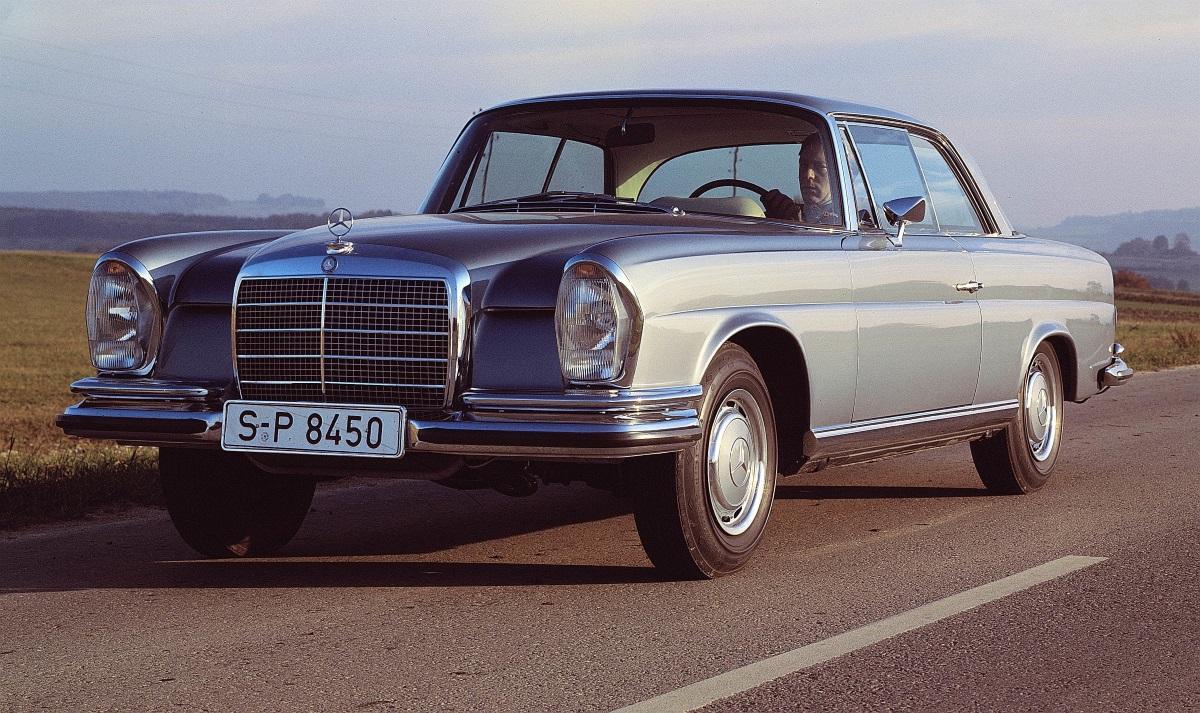 40 Jahre Mercerdes C124 Coupé Mercedes Benz Baureihe W112 300SE Coupé. Gebaut von 1959-1968
