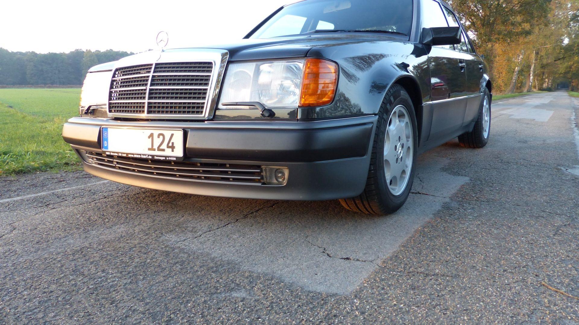 Mercedes 500W W125 Kotflügel