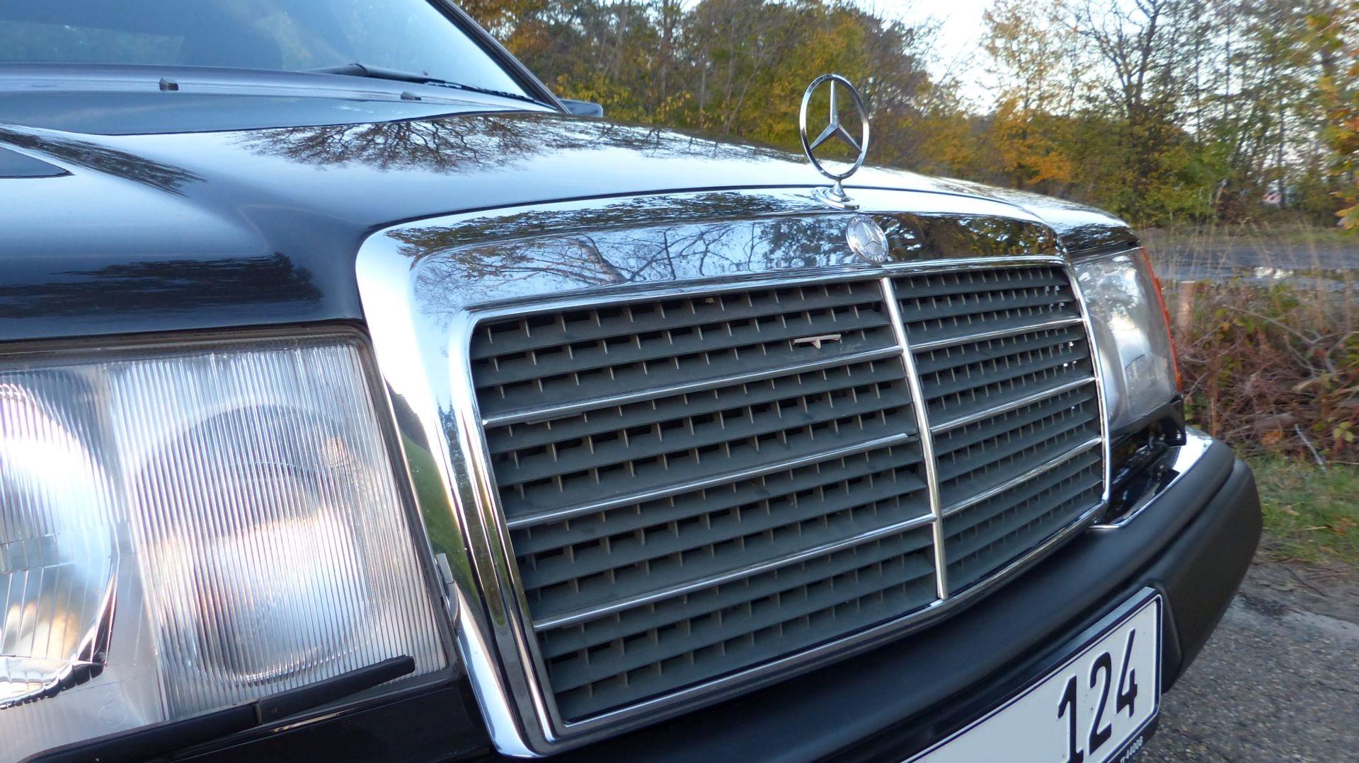 Mercedes Benz W124 500E Kühlermaske