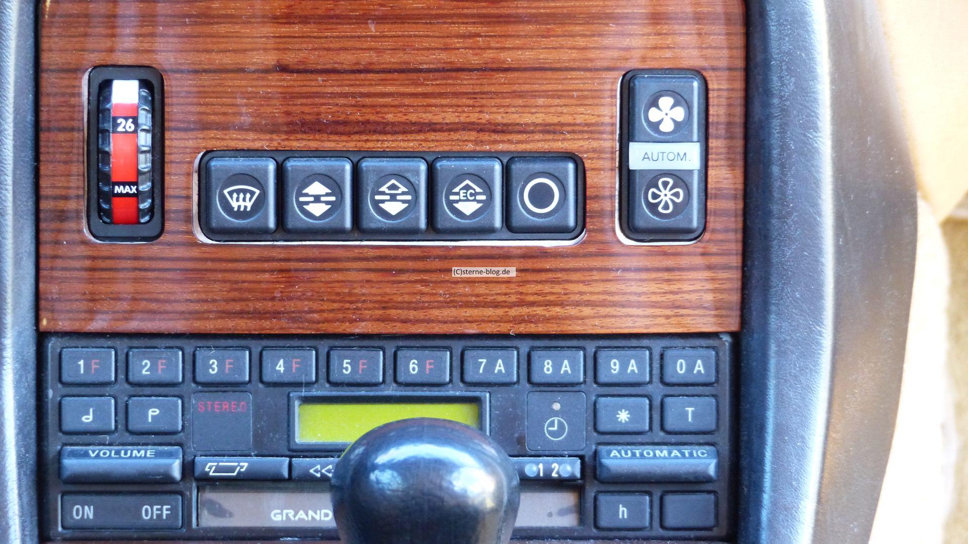 Mercedes S123 300 TDT Turbodiesel mit Klimaautomatik und Becker Grandprix Radio.