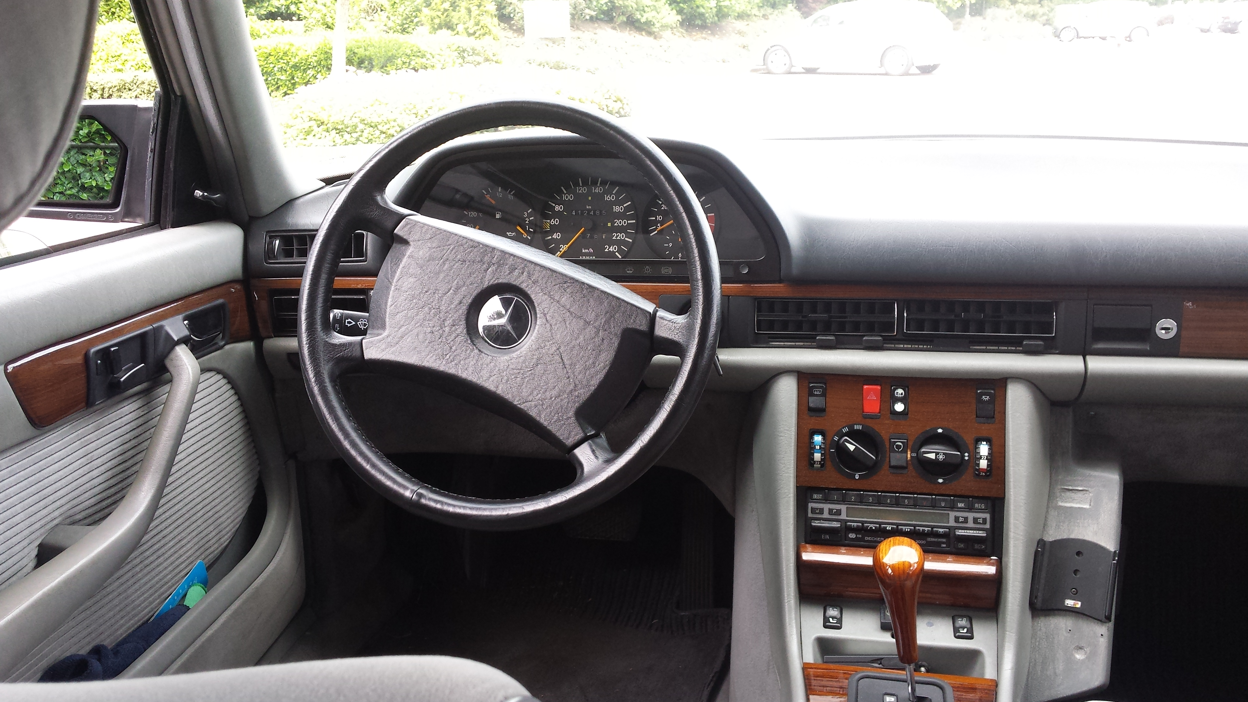 Mercedes W126 Cockpit 420 SE der zweiten Serie